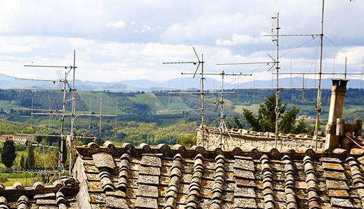 Dächer mit einigen Antennen