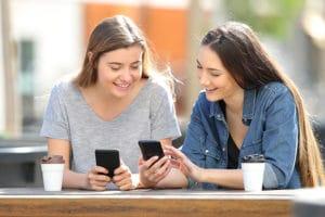 Smartphones beliebt in allen Altersklassen